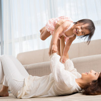 4 Manfaat Sentuhan Kulit Antara Ibu dan Bayi