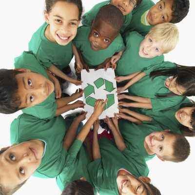 Tumbuhkan Kepedulian Lingkungan Pada Anak
