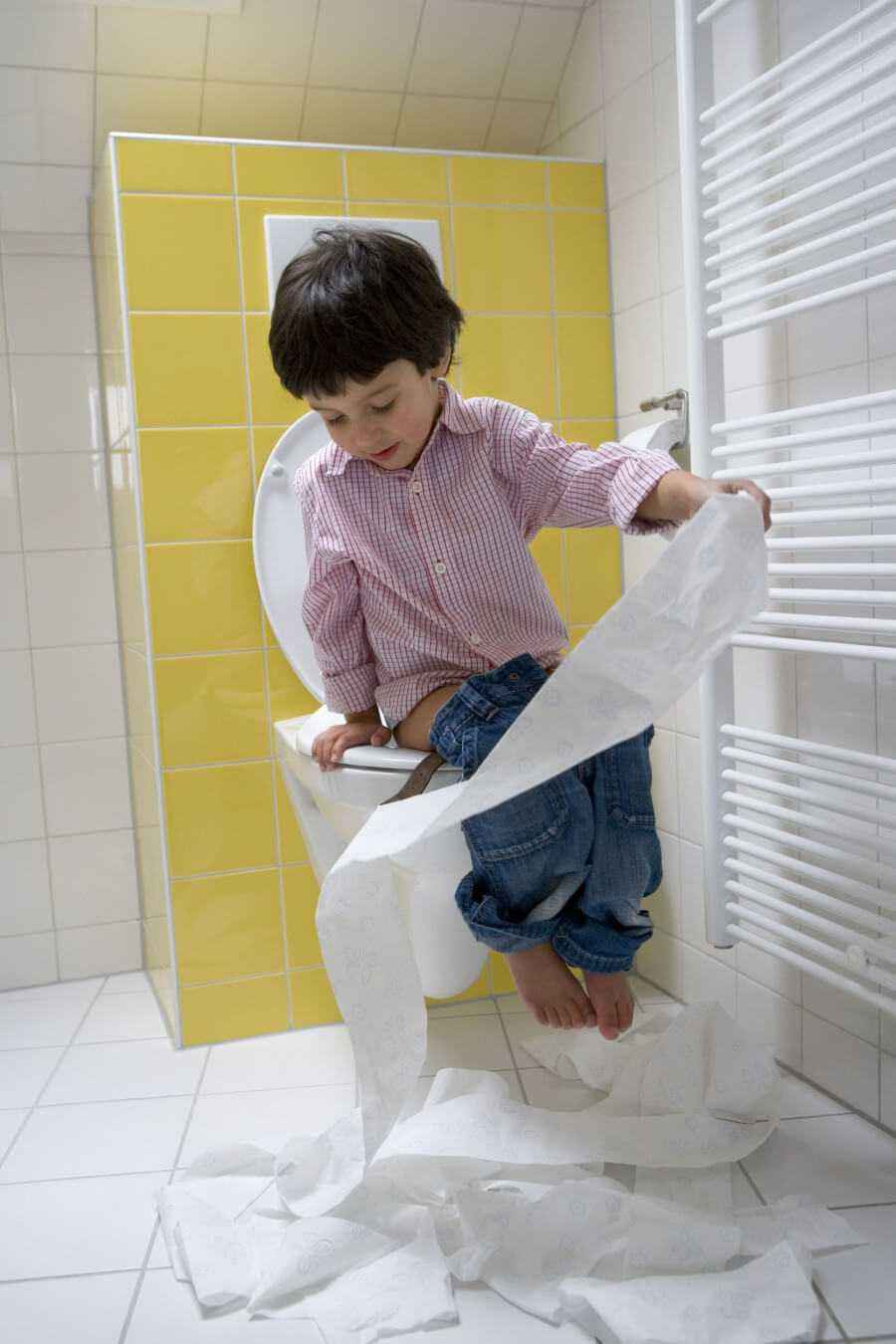 2 Cara Mudah Ajarkan Si Kecil Menggunakan Toilet