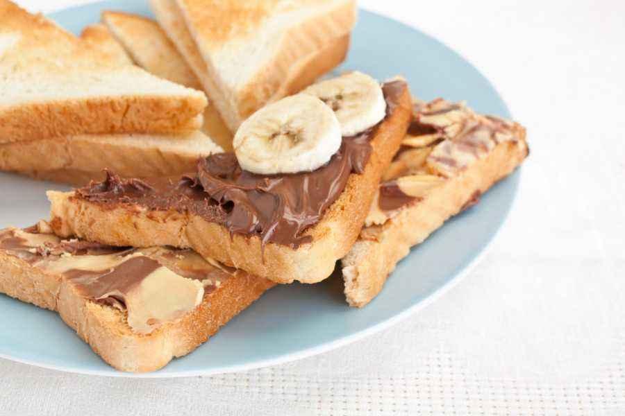 Sandwich Cokelat Kacang