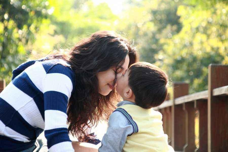 2 Tips Saat Anak Terlalu Betah Bermain di Rumah Tetangga